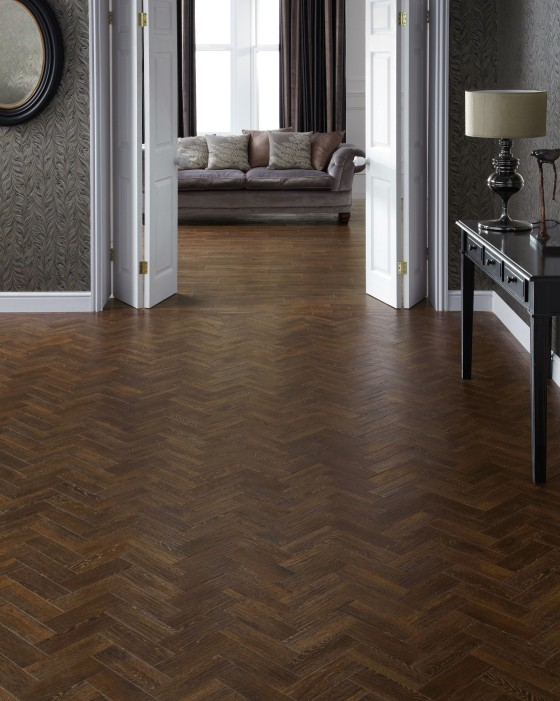 Karndean Designflooring AP04 and HC04 Sundown Oak
